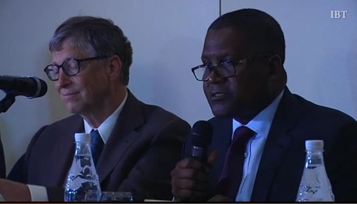 Bill Gates (L) and Aliko Dangote