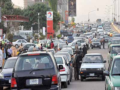 Acute shortage of fuel in Nigeria causes long queue at pump stations