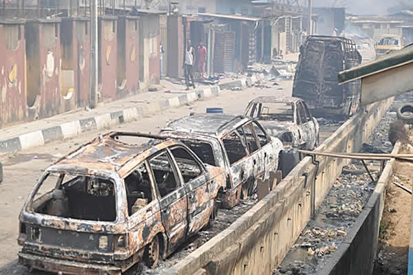 Several cars were burnt during a mortal fight between the Yoruba and Hausa people in Agiliti, Mile 12, Lagos state, on 3 March 2016
