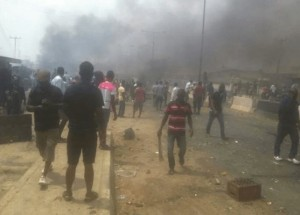 Deadly fight between the Yoruba and Hausa people in Agiliti, Mile 12, Lagos state, left at least 7 people for dead on 3 March 2016