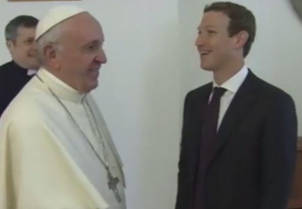 Pope Francis (L) and Mark Zuckerberg