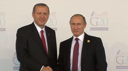 Turkey's Recep Tayyip Erdogan (L) and Vladimir Putin at the G20 summit, November 2015