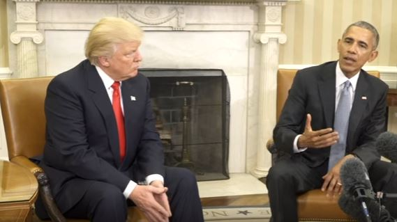 Donald Trump (L) meets Barack Obama in the White House, 10 November 2016.
