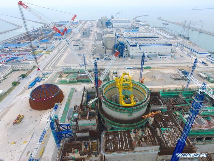 Dome installation at No. 5 unit of Fuqing Nuclear Power Plant in Fuqing, southeast China's Fujian Province, May 25, 2017. (Xinhua/Jiang Kehong)