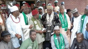 Igbo leaders from the 19 northern states and northern youth groups after their peace parley in Kano on Friday. (Image source: Voice of Nigeria)