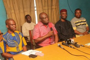 Governor Ikpeazu at the secretariat of the Nigeria Union of Journalists (NUJ) Abia council, September 2017
