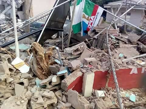 Nasir El-Rufai demolished the Head Office of APC faction in Kaduna (Image from Daily Post, Nigeria)