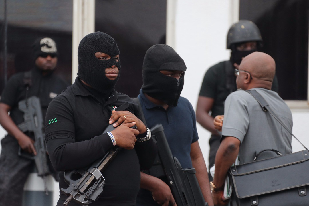Personnel of Nigeria's State Security Services (SSS). Image as seen on Twitter