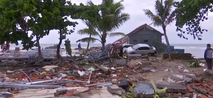 Tsunami in Indonesia killed hundreds of people, and many are missing, 2018