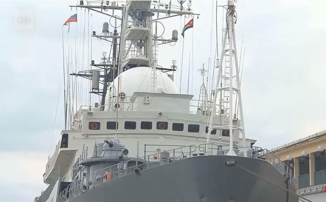 Military ship - Russia's Viktor Leonov